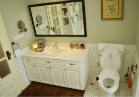美式洁白卫生间实景