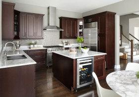 美式岛型多功能厨房设计