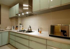 现代玻璃厨房实景