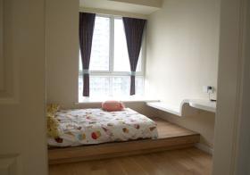 现代卧室榻榻米实景拍摄
