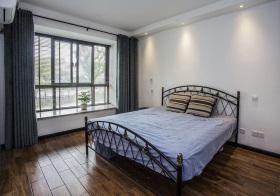 现代铁艺卧室设计