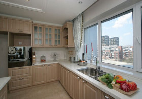 混搭原木厨房设计