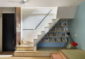 混搭书柜楼梯设计
