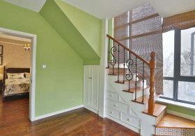 美式彩色楼梯设计