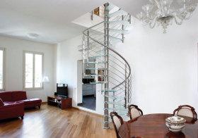 混搭玻璃旋转楼梯设计
