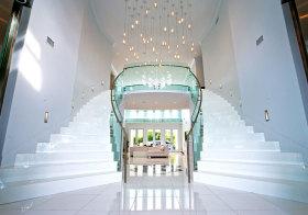 现代奢华双向楼梯美图