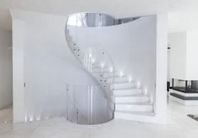 现代通透楼梯设计