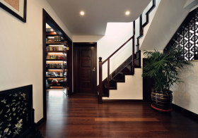 新中式褐色楼梯实景