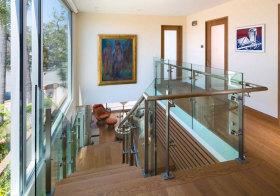 美式度假玻璃楼梯细节