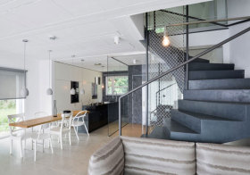 轻工业网状楼梯设计