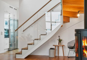 北欧玻璃楼梯细节