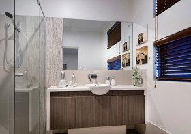 简约木质浴室柜美图