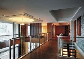 现代玻璃过道设计