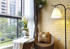 现代藤椅阳台美图