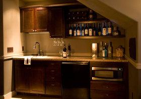 美式褐色酒柜实景