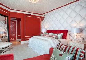 欧式红色床头软包欣赏
