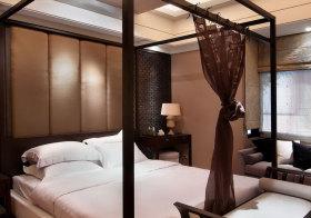 中式四柱床床头软包欣赏
