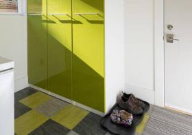 现代果绿色鞋柜欣赏