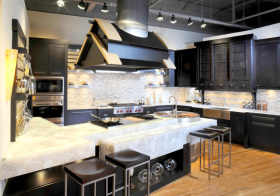 混搭黑色厨房设计