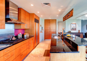 混搭木质厨房实景