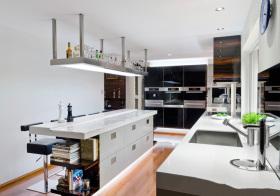 现代利落厨房设计