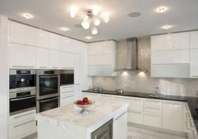 现代纯白厨房欣赏