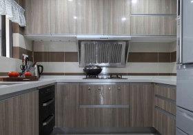 现代灰木色厨房近景