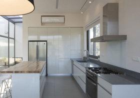 现代清透厨房设计