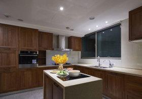现代木质厨房实景