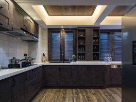 混搭褐色厨房橱柜设计