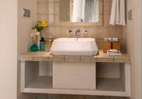 混搭石砖浴室柜近景