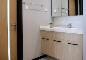 宜家木色浴室柜欣赏