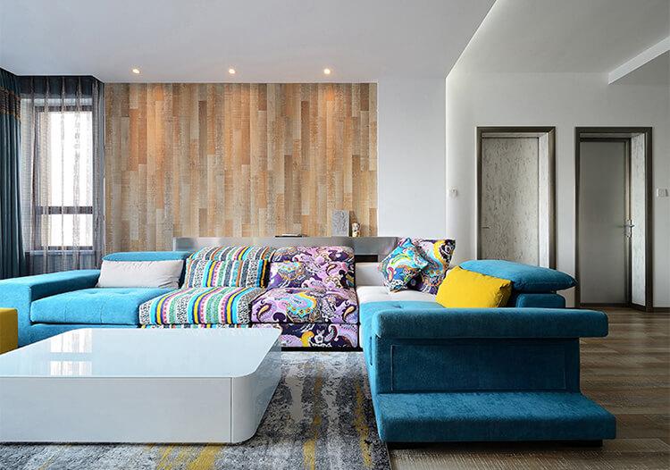 彩色极简客厅装修图