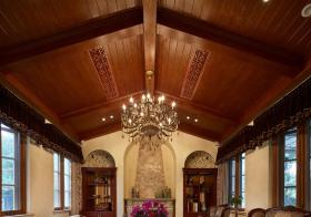 原木客厅吊顶装修设计