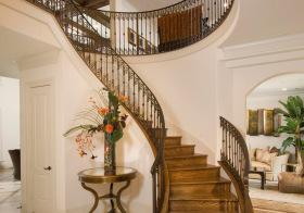 典雅复古东南亚风格楼梯装修图片