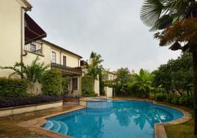 现代泳池花园设计