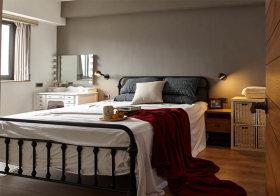 铁艺美式卧室装修设计