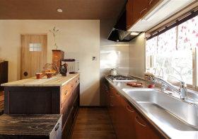 原木日式厨房装修效果