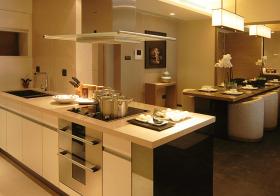 全开放现代厨房装修设计