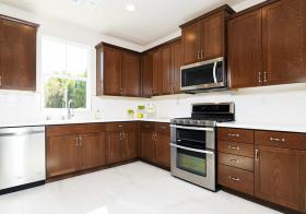 实木美式厨房设计效果