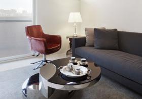光感现代客厅装修布置