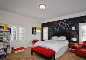 红与黑现代儿童房设计