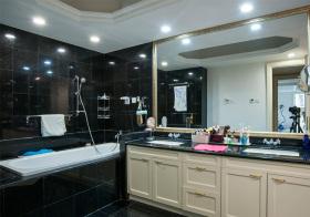 现代大气浴室柜设计