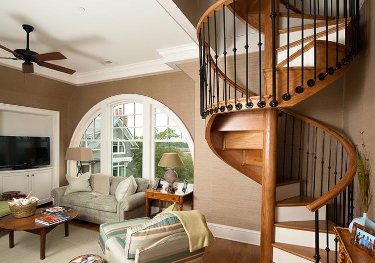 温馨欧式风格楼梯装修图片