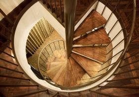 别致新古典风回旋楼梯装修图片