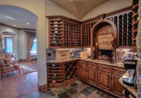 高雅复古酒柜设计