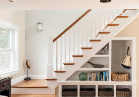 温馨美式风格楼梯装修图片