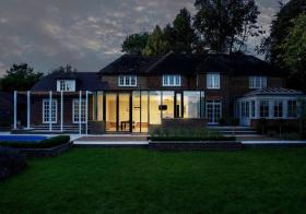 优雅现代别墅花园设计