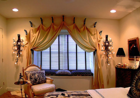 现代布艺窗帘装修设计图