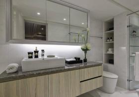 木纹现代浴室柜美图